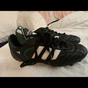 Women's Soccer Shoes ADIDAS stratos liga size 8